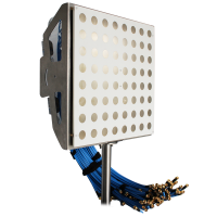 Aurora CMM.100.A 5-6GHz C波段大规模MIMO相控阵
